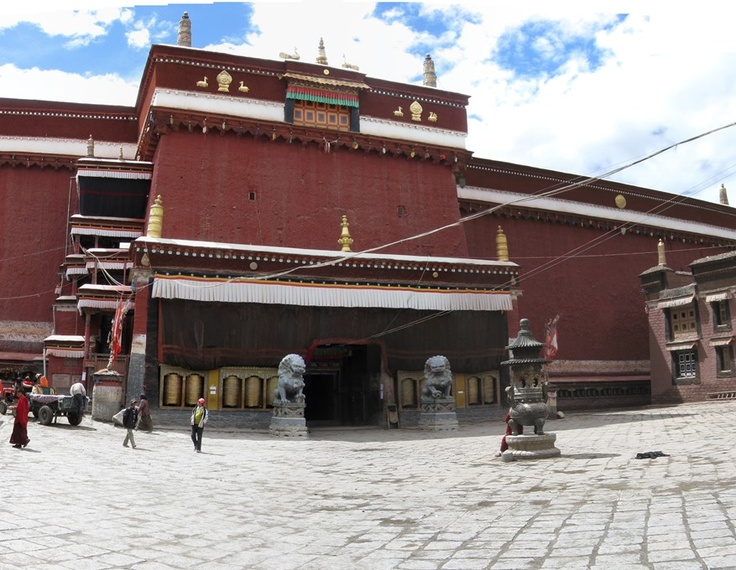 Two lions guard the entrance to Sakya monastery. Sakya is the erstwhile capital of the kingdom that Prince Siddhartha's father ruled.