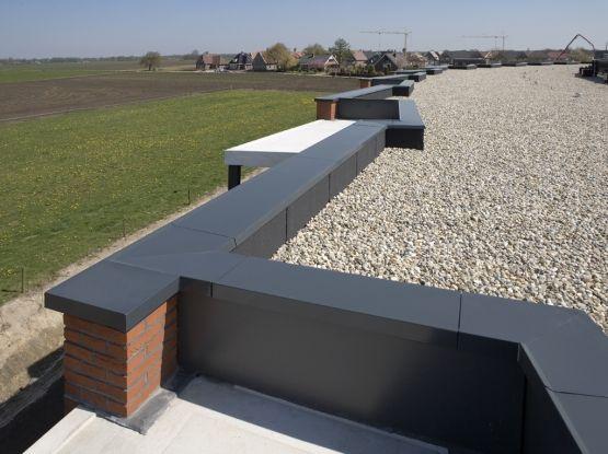 Roval Aluminuim muurafdeksystemen. Met binnen- en buitenhoeken