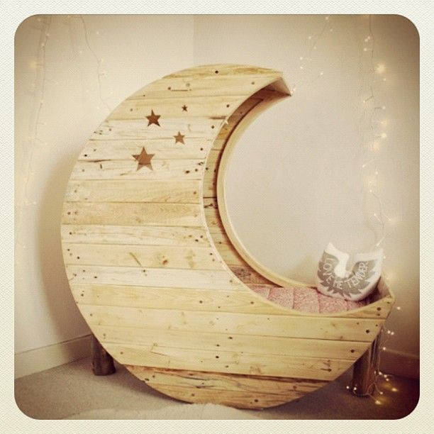 Moon Toddler bedKids Beds, Ideas, Moon, Toddlers Beds, Baby Beds, Kids Room, Sweets Dreams, Reading Chairs, Reading Nooks