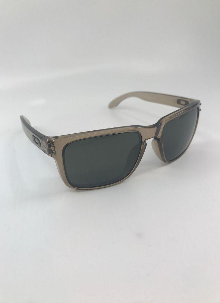 Brand new condition zero scratches square sunglass