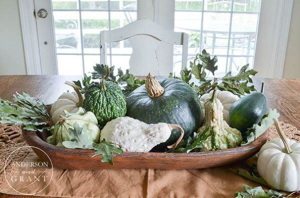 Image from http://cdn.hometalk.com/media/2015/09/15/2987586/simple-fall-centerpiece-with-gourds-squash-and-pumpkins-dining-room-ideas-seasonal-holiday-decor.jpg?size=594x594&nocrop=1.