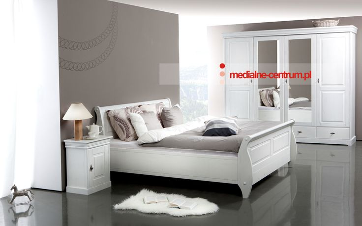 piękna sypialnia z litego drewna
