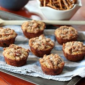Pretzel-chocolate chip muffins--the most perfectly sweet and salty brunch treat.