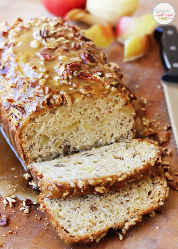This Apple-Praline Bread at Positively Splendid looks absolutely divine! What a perfect recipe for holiday gift-giving!