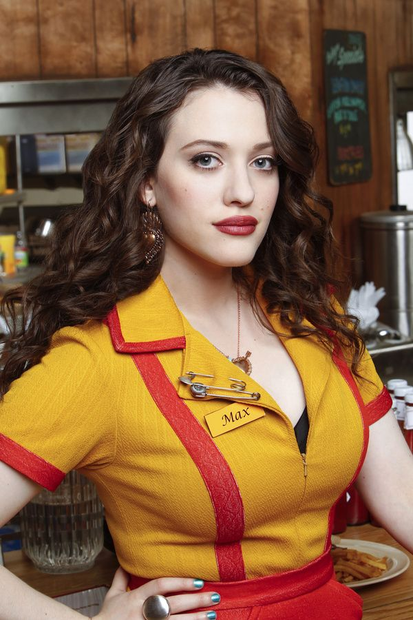Max Black Habite à Williamsburg Serveuse au Williamsburg Diner, Co-Fondatrice des Cup-Cake maison de Max, Baby-sitter  Interpréter par Kat Dennings