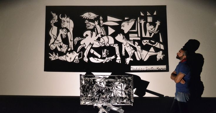 Guernica my version...light & shadow ... #shadow #shadowart #light #lightandshadow #shadowartist #greece #greekartist #greekart #shadowtechnique #guernica #picasso #teodosio #teodosiosectioaurea
