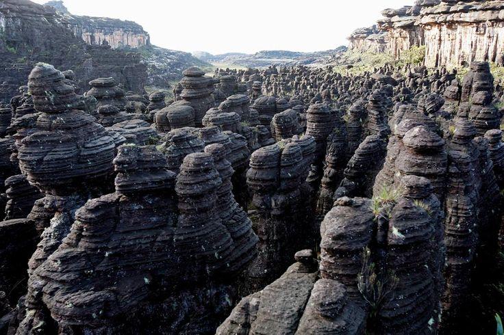 Monte Roraima está entre as formações geológicas mais antigas do planeta, de cerca de 2 bilhões de anos. Foto: PAULO LIEBERT/AE