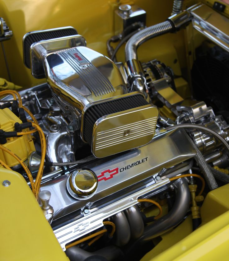 Chevrolet Engine Air Cleaner : Chevrolet engine with a holley twin sidedraft air cleaner
