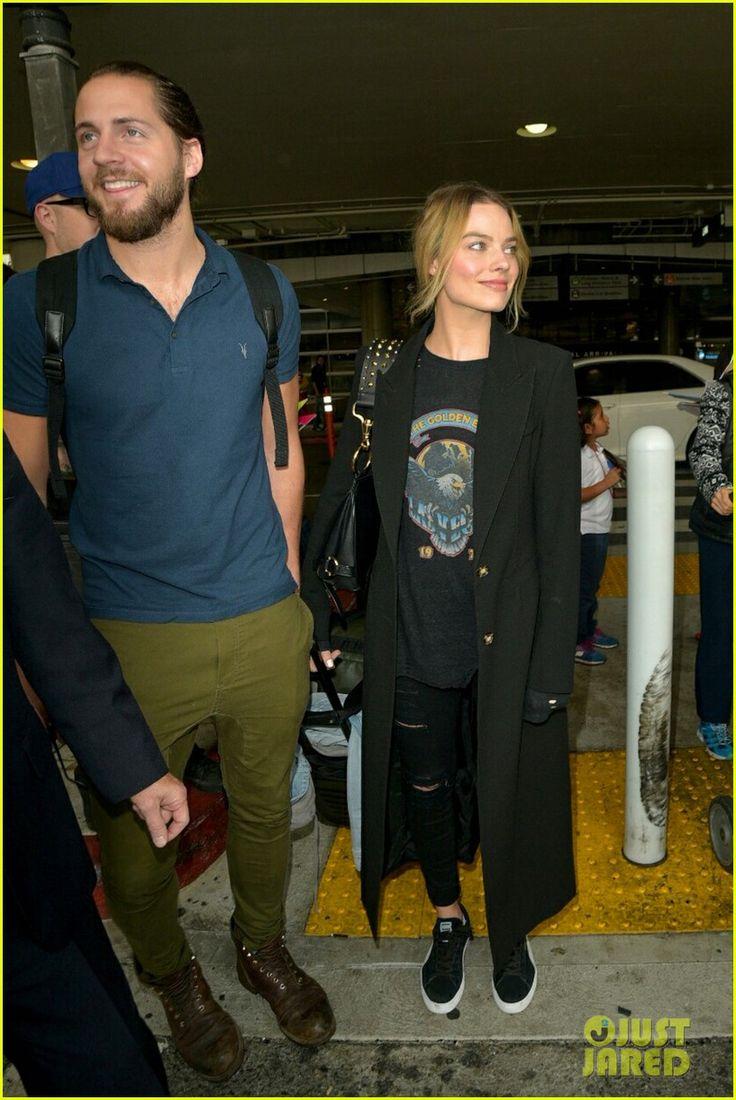 Margot Robbie & Boyfriend Tom Ackerley Arrive at LAX Airport