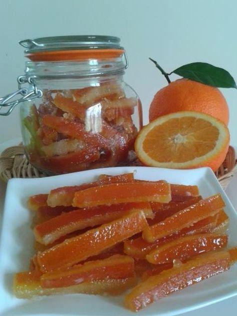 le scorzette di arance candite fatte in casa sono ottime perchè sanno di arancia a differenza di quelle in commercio che non sanno di nulla