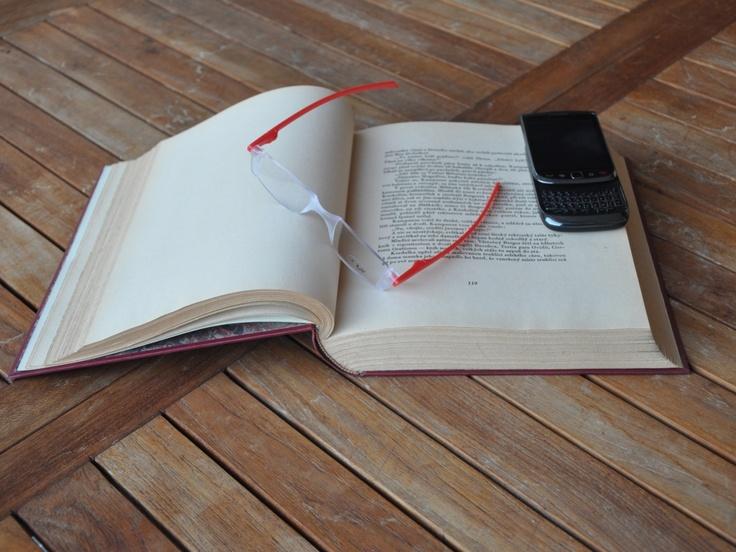 Twist & Read Hi-Tech Folding Readers 5034 - Flame Red