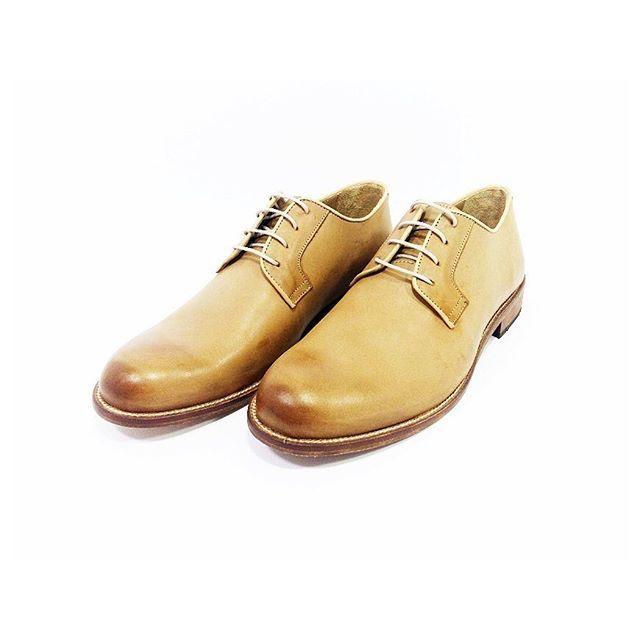 Derby Volta beige www.l3luxury.com  #manstyle #manfashion #madeinitaly #italianshoes #italianhandmade #italianhandmadeshoes #fashionshoes #shoesmadeinitaly #shoes #shoesman #shoesshop #shoesvintage #scarpe #scarpeuomo #scarpevintage