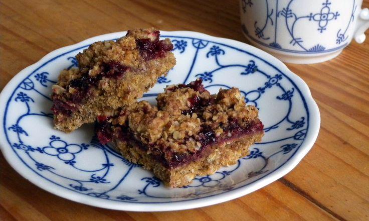 Plaatkoek Glutenvrij | Heerlijke plaatkoek op basis van havermeel en zelfgemaakte bramenjam. Het scheelt de stap van het verwerken van het fruit tot een moe