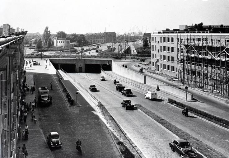 rotterdam oud-charlois -  pleinweg richting maastunnel