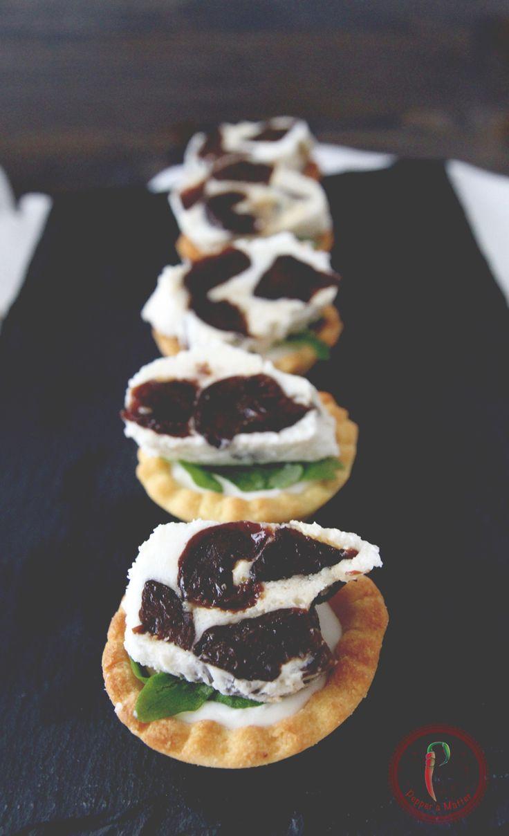 Tartelletta Salate Robiola e Prugne della California