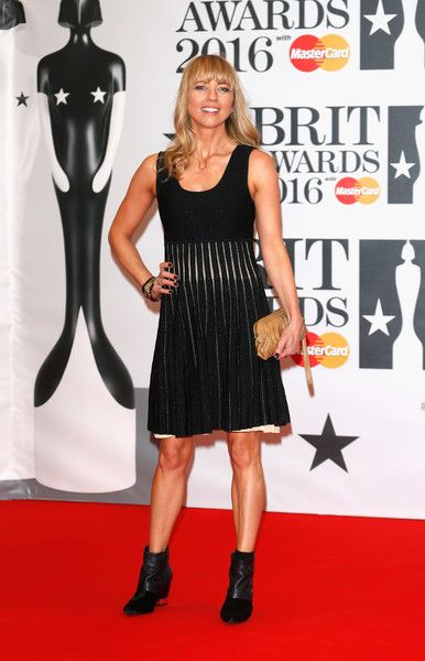 Sara Cox Photos - Sara Cox attends the BRIT Awards 2016 at The O2 Arena on February 24, 2016 in London, England. - Brit Awards 2016 - Red Carpet Arrivals