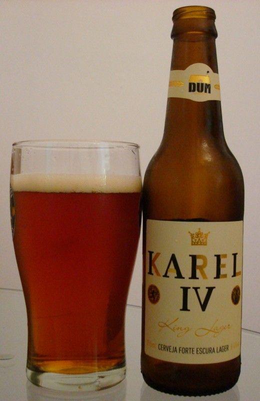 Cerveja Karel IV, estilo Amber Lager, produzida por DUM Cervejaria, Brasil. 8.4% ABV de álcool.