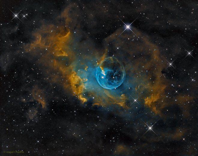Bubble Nebula Dazzles in Amateur Astronomer's Photo