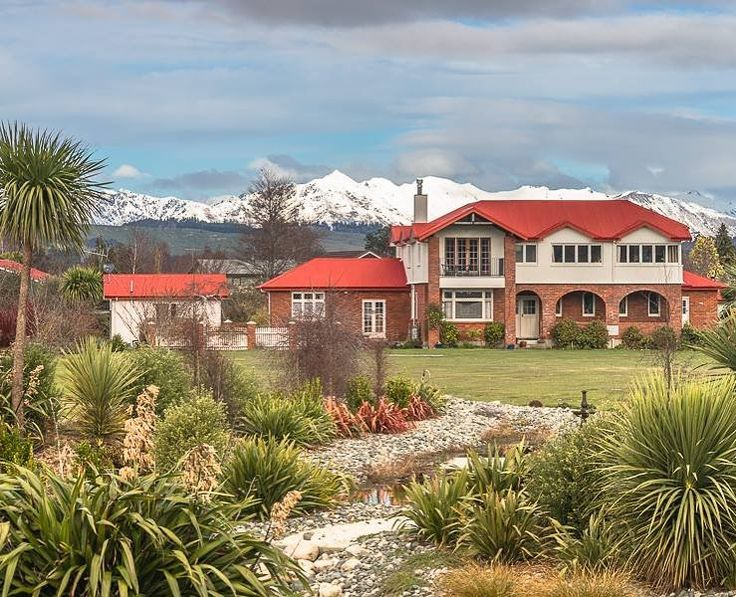 give Fiordland the time it deserves by spending time at the lovingly restored Te Anau Lodge - breathtaking secluded relaxed. #wheretostay #wednesdaymood #TeAnau #Fiordland #NewZealand #itsTime2Go!
