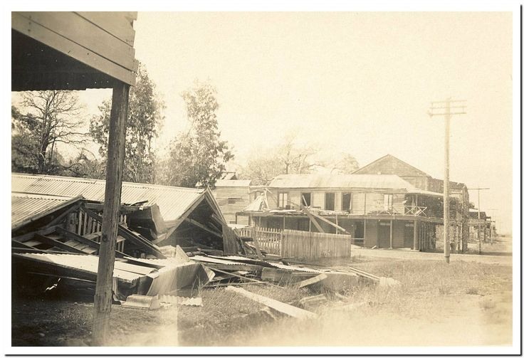 1949 Cooktown Cyclone: Walmsley's and the Sovereign Hotel.