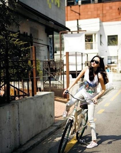 Jang Yoon Joo- Model #jangyoonjoo #model #koreanmodel #celebrity #koreancelebrity