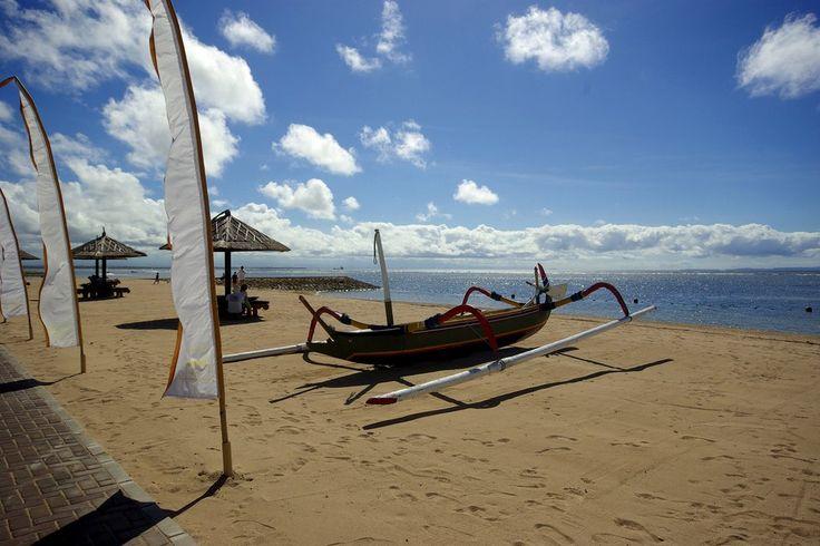 Conrad Bali Resort en Spa het strand bij Tanjung Benoa. Luxueus genieten op het eiland van de Goden en Demonen.