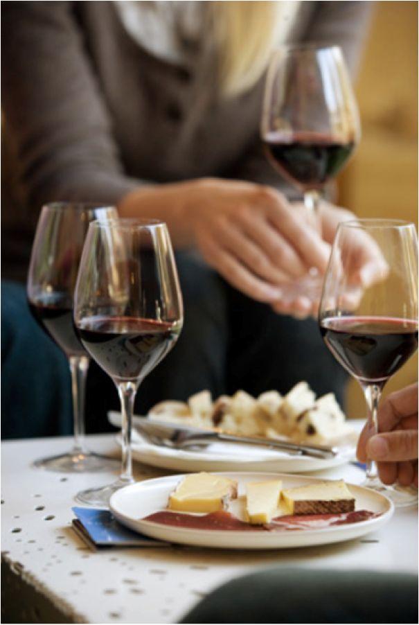 Les vins de bordeaux avec des amis