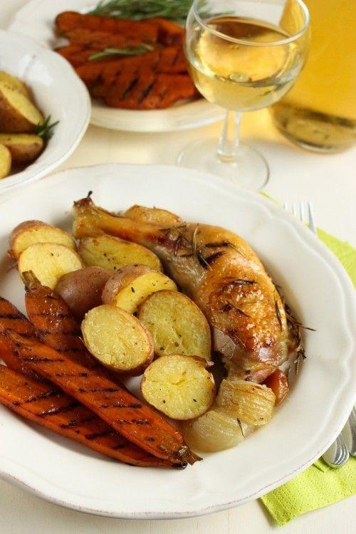 Rozmaringos csirke grillezett sárgarépával, vajas burgonyával