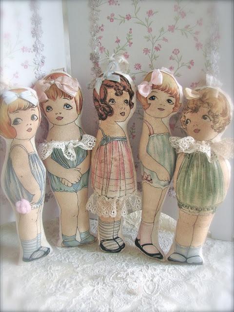 Het zoete leven...printed fabric dolls