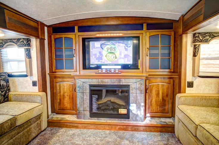 Montana Keystone 5th Wheel Living Room Uh Wow Cabins Campers Cottages Pinterest