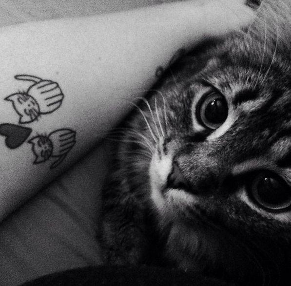 17 meilleures id es propos de tatouages de pattes de chat sur pinterest tatouages de dessins - Tatouage chat noir ...