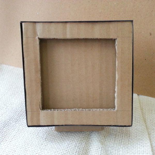 Make a Cardboard Photo Frame via @Guidecentral