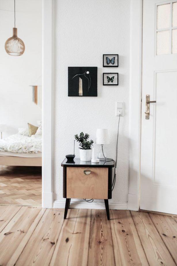 Mini Talbe White Door Wood Flor Design Inpsiration
