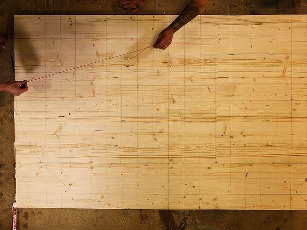 Impragnierlasur 3 Seitenteile Und Liegeflache Verschrauben Nun Geht Es An Den Zusammenbau Verschrauben Sie In 2020 Schaukelliege Gartenliege Holz Relaxliege Holz