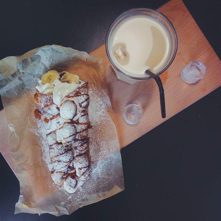 В такую погоду так и хочется выпить чего-нибудь холодного! В наше меню возвращаются холодный кофе и чай ягодные смузи и лимонады! :3  Прогуливаясь по центру заходите к нам освежиться и утолить жажду! Наши бариста с удовольствием приготовят ваш любимый напиток! :) Отличного дня!  #buffetcoffee #khv #coffee #waffle  #пространствохабаровск by buffet.coffee