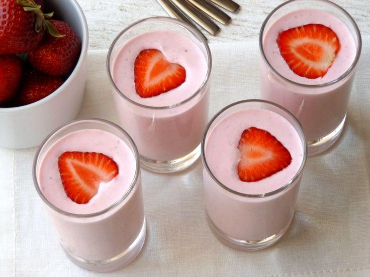 Μους φράουλας με γιαούρτι