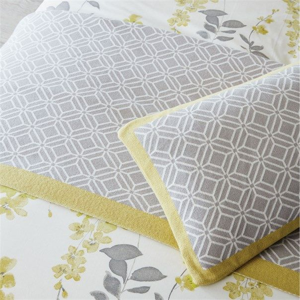 Sanderson - Traditional to contemporary, high quality designer fabrics and wallpapers | Home Accessories - Sanderson has a wide range of rugs, towels, bedlinen and home fragrances | British/UK Fabric and Wallpapers | Wisteria Blossom Sanderson HOME