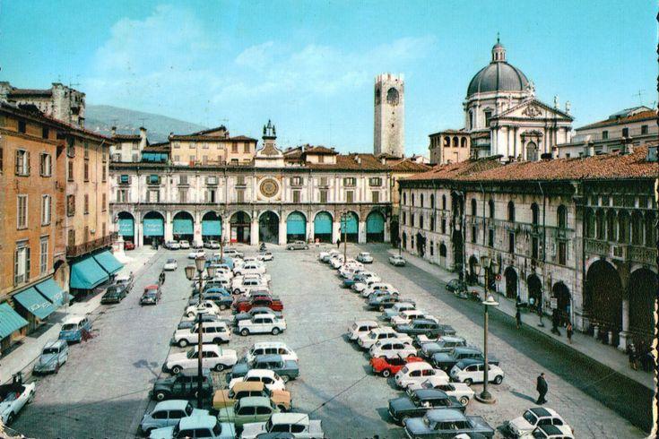Parcheggio in Piazza Loggia – 1965