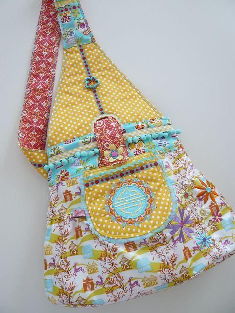 Frau Liebstes: ISABELLA *Messengerbag* #farbenmix #nähen #sewing #taschen #handbags