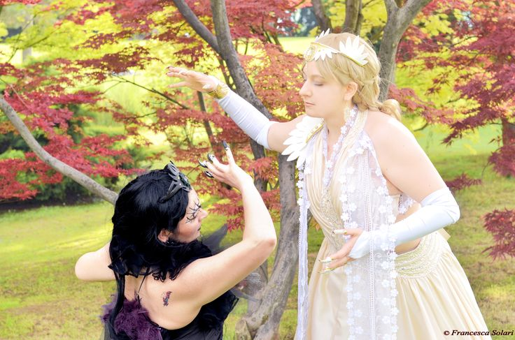 Gorgorath and Estalith from Leodhrae www.aurorafilippi.com Photo by: Francesca Solari https://www.facebook.com/Francesca-Solari-Photography-454269394624161/ Location: Parco Giardino Sigurtà (Italy) #leodhrae #fantasy #costume #cosplay #book #novel #god #gods #goddess #light #dark #darkness #demon #angel
