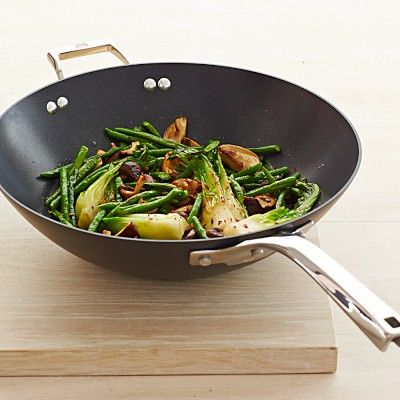 Calphalon Elite Nonstick Wok #williamssonoma///www.annmeyersignatureevents.com