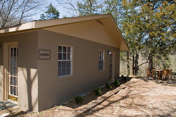 Lakeside Resort - The Laurel Guesthouse - Lakeside Resort - Center Hill Lake - Smithville, TN