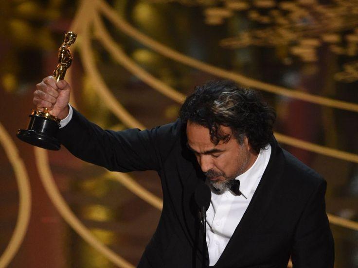 Alejandro González Iñárritu, con su Oscar al mejor director por 'El renacido'.