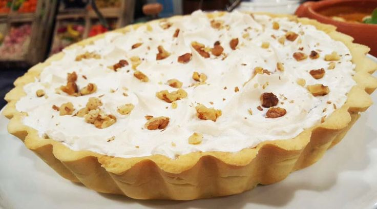 Tarta de dulce de leche, nueces y merengue