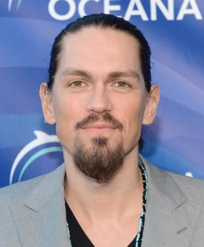 Steve Howey Photos, News, Relationships and Bio