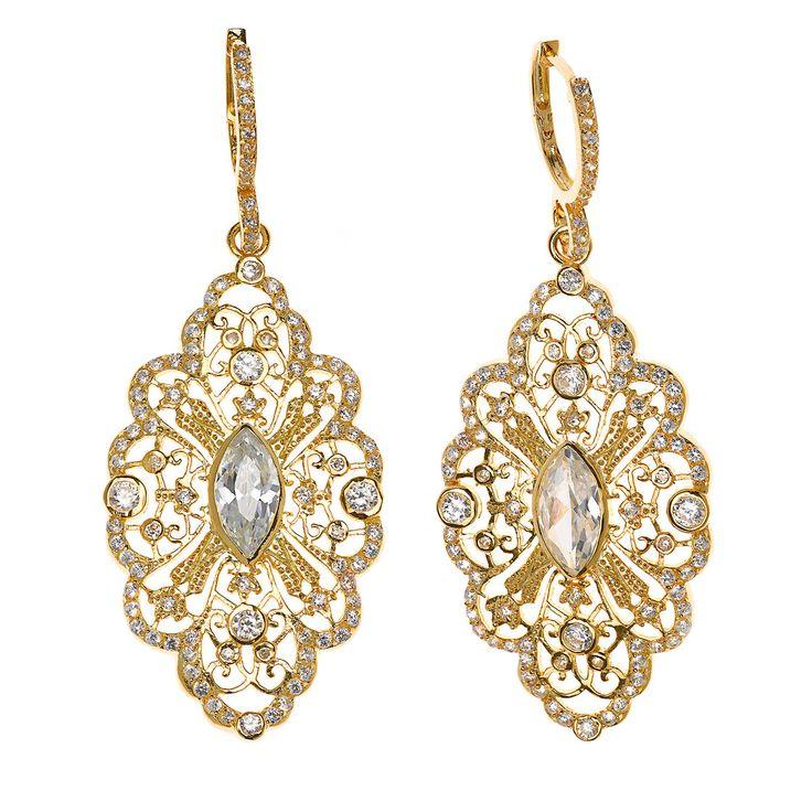 Pendientes en plata de ley bañada en oro y oro rosa, emulan brocados con pequeñas perlas y circonitas. Ver más coleccion en www.salvatore.es