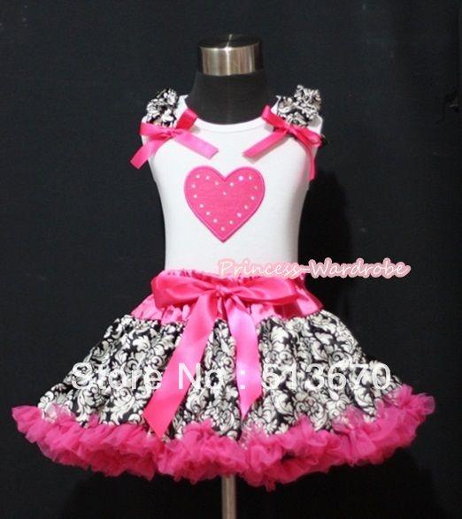 Ярко розовый юбка с ярко розовый в форме сердца и дамаск оборками ярко розовый луки белой майке MAMM181