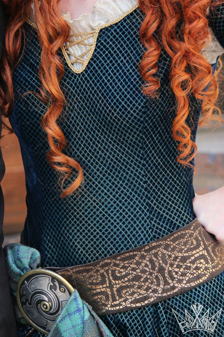 Merida from Brave, dress details, disney face character