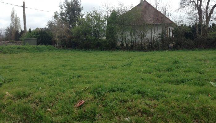 Terrain à batir : Manche-Bréhal-Terrain à bâtir à CERENCES, viabilisé en plein bourg, 717m²
