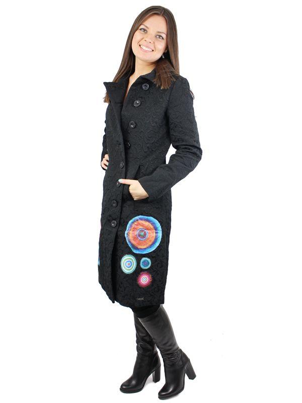 Czarny płaszczyk z kolorową aplikacją DESIGUAL